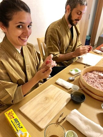Cooking Class Japan Cross Bridge: Healthy rice sushi of tuna and salmon course
