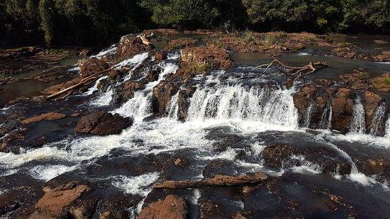 Jardin America, Αργεντινή: Curso y cascada
