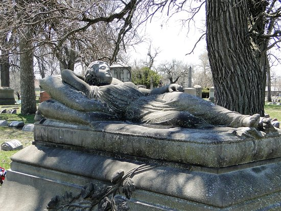Oak Woods Cemetery: Beautiful monuments at Oak Woods