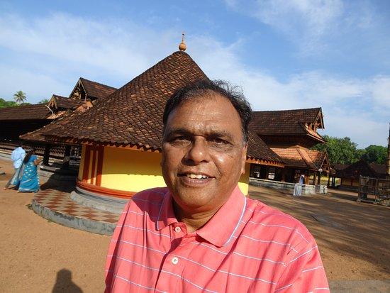 Kandiyoor Sree Mahadeva Temple: IN SIDE TEMPLE