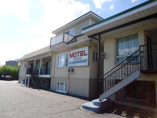 Entrance - Picture of Motel Chateauguay, Gatineau - Tripadvisor