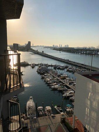 Miami Marriott Biscayne Bay : Ausblick auf Hafen vom Balkon