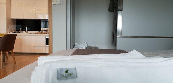 Pinetree Marina Resort: Deluxe Apartment, 1 bedroom