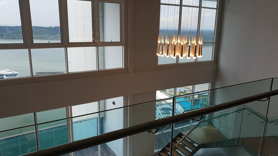 Pinetree Marina Resort: Penthouse, 5 bedrooms