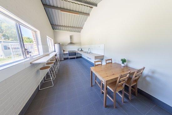 Belvedere Caravan Park : Camp Kitchen