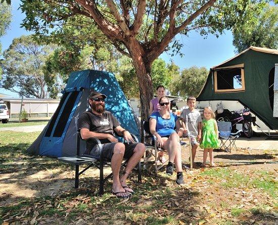 Belvedere Caravan Park : Happy Campers