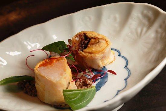 Gion Vitra,: 二種の湯葉春巻きにマッシュルームを合わせて 雲丹と帆立貝 牛しぐれとフォアグラ