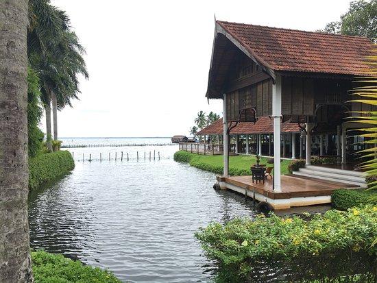 คูมาราคม เลค รีสอร์ท: View of the Vembanad Lake