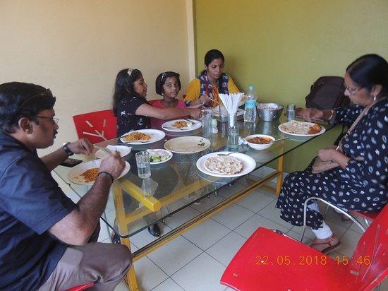 Niru's : family lunch