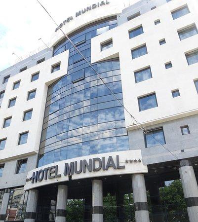 Hotel Mundial: Vue de face de l'hôtel