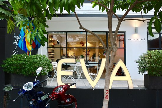 Eva Nails & Cafe