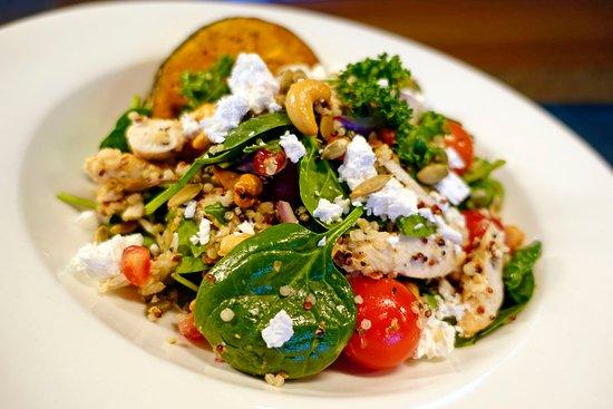 Darwin Sailing Club Waterfront Bistro: Chcken Salad