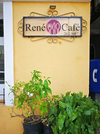 Rene Cafe: It's very close to the Plaza Catedral