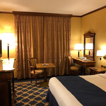 Milan Marriott Hotel Photo