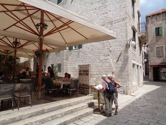 Restaurant Kavana Medulic照片