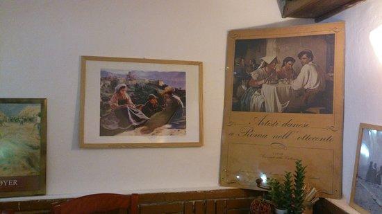Civita d'Antino, Italy: Nel locale sono esposte riproduzioni dei pittori scandinavi