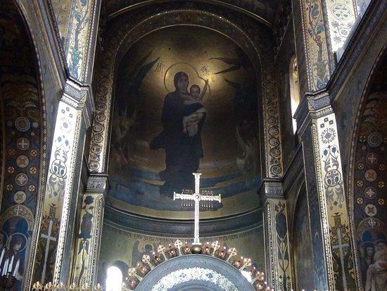 St. Volodymyr's Cathedral: Роспись, от которой бросает в дрожь