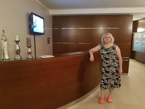 Hotel Pinia: Rezeption im Spa bereich