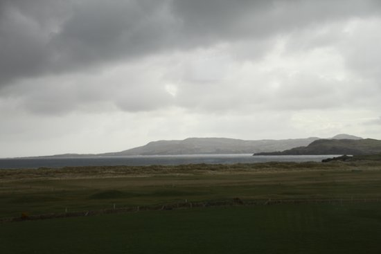 Rockhaven House: View from Breakfast Room on cold and rainy morning - doesn't do justice