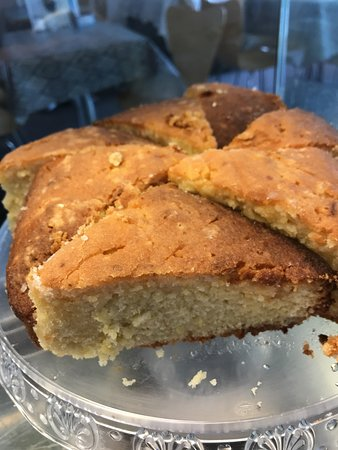 The Green Tree Cafe : Delicious Lemon Drizzle