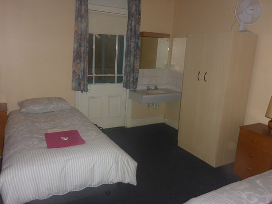 Hotel Peterborough: Clean & Comfortable Beds