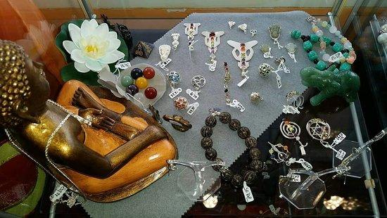 Samaki: #shopping #shoppen #shoppingmile #einkaufen #einkaufsmeile #einkaufszone #mode #schmuck #jewelry