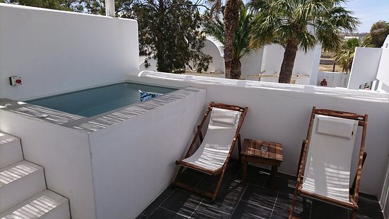 Excelsior jacuzzi and balcony