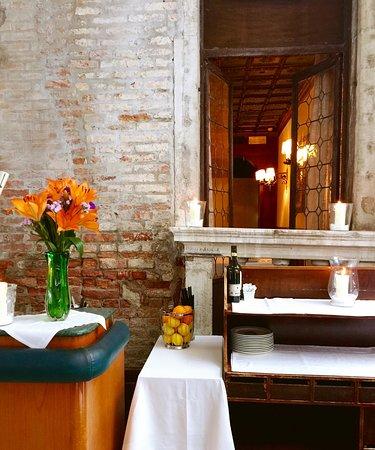 Hotel Saturnia & International: Il Cortile, ristorante nel giardino privato dell'hotel