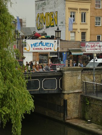 Walker's Quay Canal Cruises: Walker's Quay office located in the Heaven Canal Cafe (by the bridge)