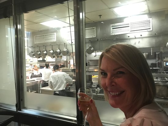 The Savoy Grill : view into the kitchen