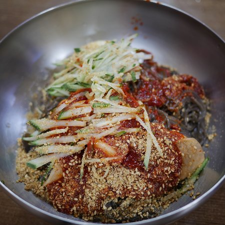 A Na Buckwheat Cold Noodles Speciality : 아나칡냉면전문점