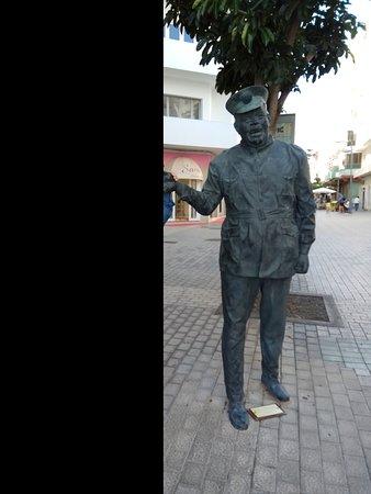 Estatua de Heraclio Niz Mesa