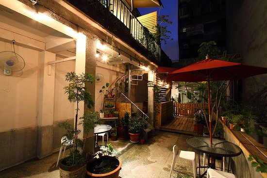 Backpackers Inn, Taipei: 天井花園夜景