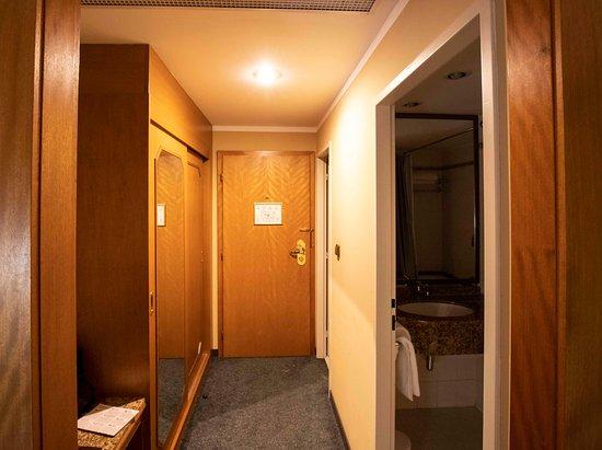 Plaza Prague Hotel : Halletje van de slaapkamer
