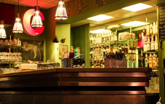 Cafe-Restaurant Les Savoises: Bar