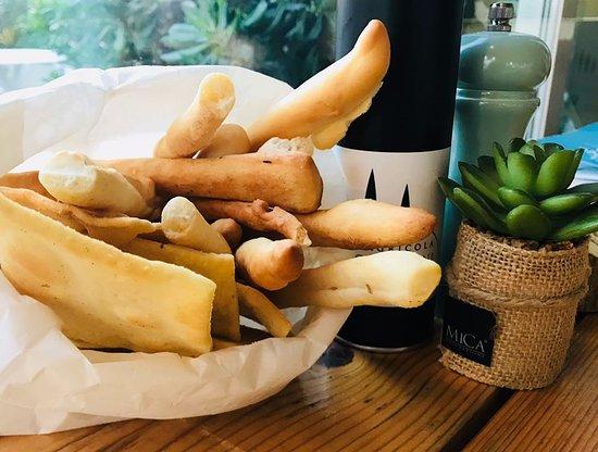 Ristorante Il Cavallino: homemade bread