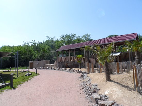 Parc du Petit Prince: Allée du parc