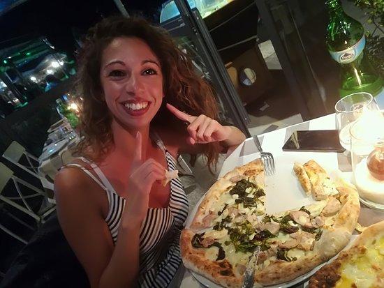 For O'Mar: pizza e tavolo