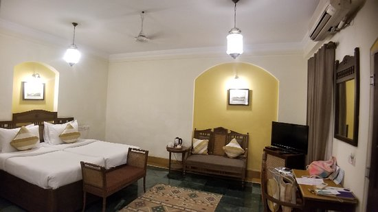 Heritage hotel with excellent location and service