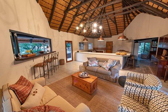 Nyala Safaris: Newly refurbished lounge area
