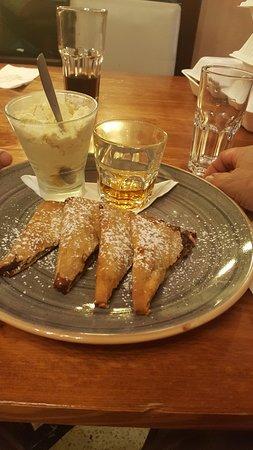 Bottegin Palazzo Xara: the amazing dessert - Imqaret with vanilla ice cream