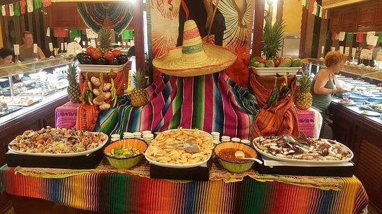Hotel Riu Vallarta: main restaurant