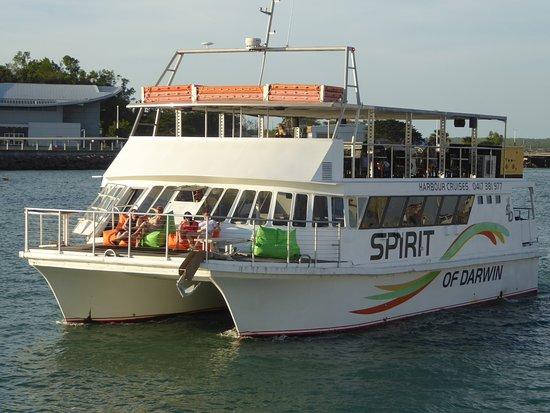 Stokes Hill Wharf: Boat