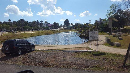 Bernardo de Irigoyen, Argentina: Paisaje del lago