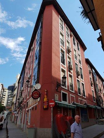 Calle de la Montera: Nice street