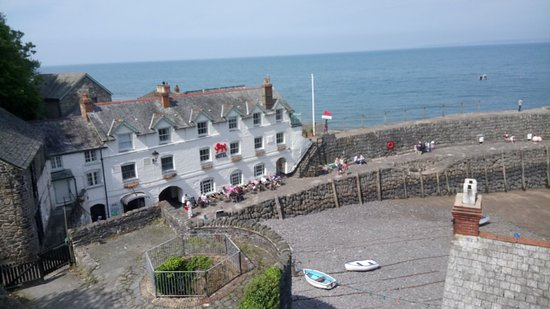 Clovelly Village: Almost at the harbour