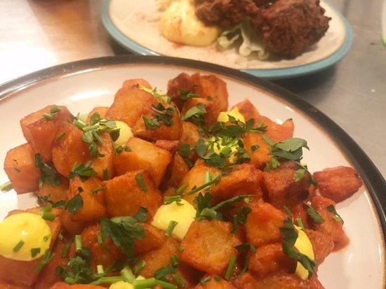 Drogheda, Irlanda: Patatas Bravas.