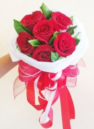 Another Round Bouquet of 12 Big Luxury Red and White Isan Flowers Roses