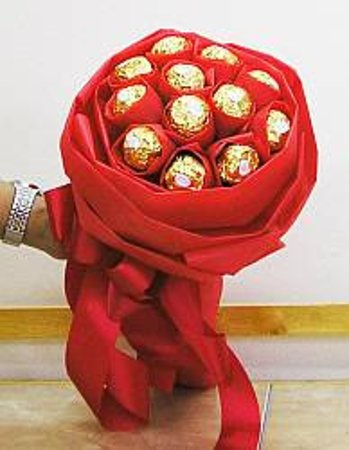 A Bouquet of Ferrero Chocolates by Isan Flowers