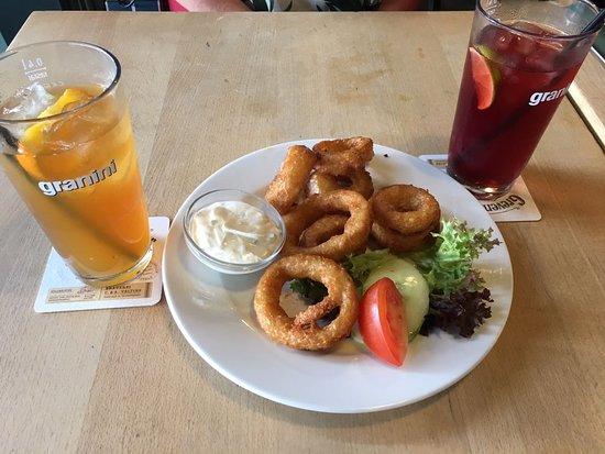 "Vorspeise Crispy Onions Rings und ""homemade"" Icetee"